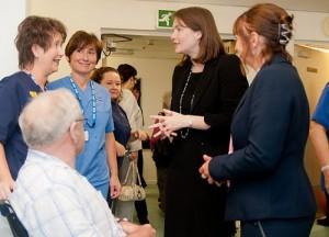 Kirsty Williams meets nurses