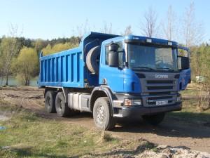 Scania_tipper_lorry_in_Russia